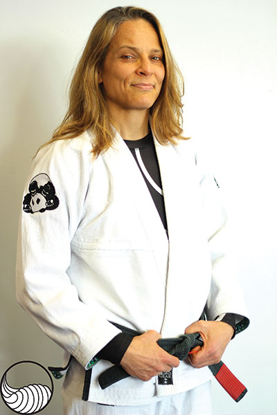 In addition to her teaching resume, Worthington is an accomplished competitor. *2007 World Grappling Championships gold medalist *2008 purple belt Mundial gold medalist *2009 brown/black belt Mundial silver medalist *2010 brown/black belt PanAms gold medalist